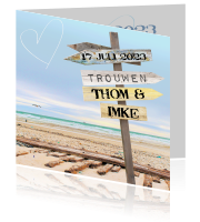 Stoere romantische trouwkaart in beach look