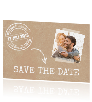 Hippe save the date met papier, foto en stempel