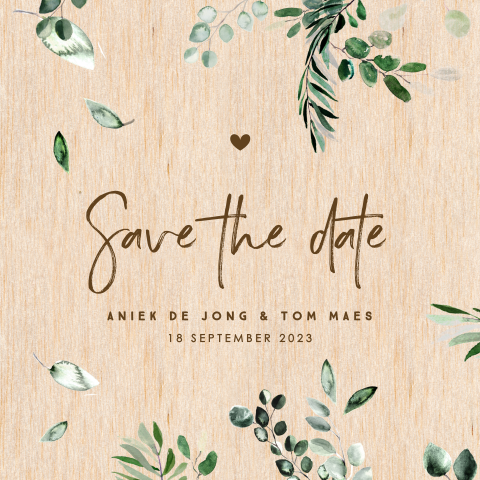 Houten save the date met eucalyptus