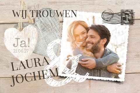 Hippe Kaart Uitnodiging Huwelijk Met Houten Hartjes