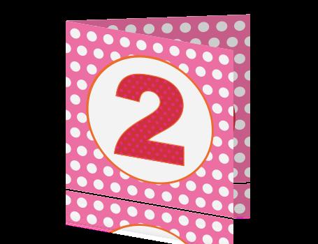 Een vrolijke kaart met stippenpatroon for Poppenhuis kind 2 jaar